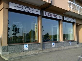 Corbetta-20111020-00617